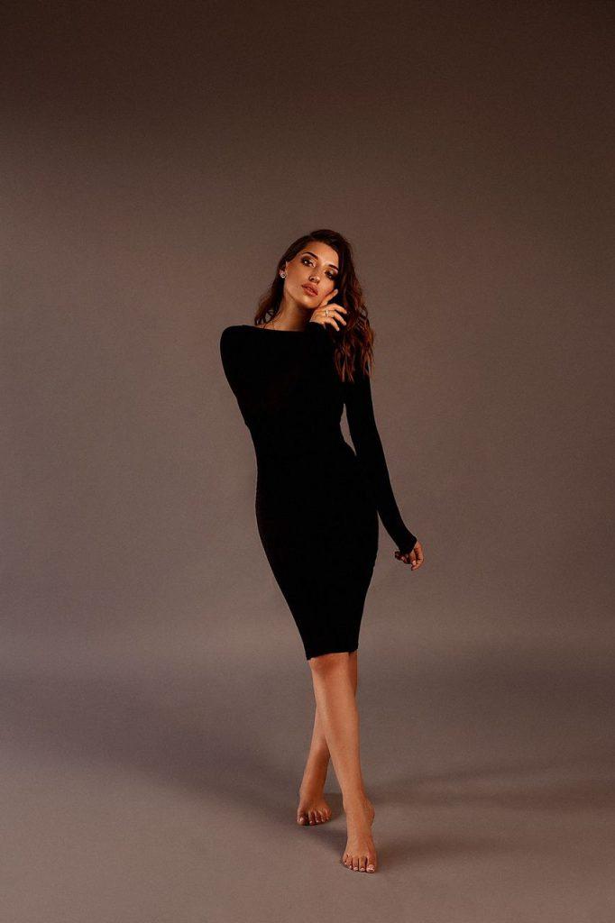 Чёрное трикотажное платье(подходит для беременных)